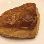 mofu - パンオショコラ(フランス産ビターチョコ・ピスタチオペースト)