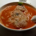 SUN TUNG LOK CHINESE CUISINE - エビ団子、エビのスープで稲庭うどん