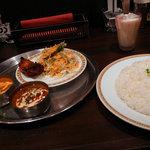 インドカレーハウス サニー・タージ - 料理写真:マトンとキーマのCセット