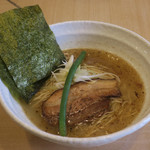 らーめん 桑嶋 - 料理写真:魚鶏潮らぁ麺780円