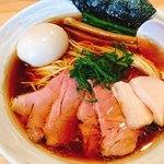 麺屋 さくら井 - 料理写真:特製らぁめん(醤油)(980)