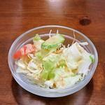 ポカラ キッチン - サラダですw