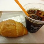ロマンスカーカフェ - アイスコーヒーと塩パン
