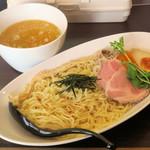 ブリキの木こり - 料理写真:鶏白湯つけ麺800円、本日20食限定メニュー