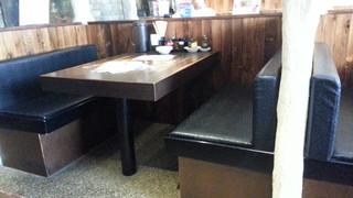 凛として - テーブル席