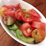湯島ワイン食堂 パパン - 4種トマトのマリネ(580円)