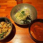 燦々亭 平野町店 - ユッケジャンつけ麺 + 小ビビンバ