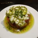 旗籠家 - トマトとモッツァレラのカプレーゼ