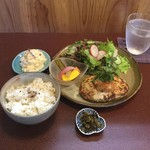 ジャム cafe 可鈴 - 今週の週替わりランチ(1,050円)※スープ、ドリンク付きです