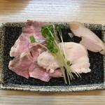 麺処 鶏谷 - 豚チャ 鶏チャ 貝割れ