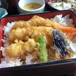 ホテルメルパルク東京・フォンテンド・芝 - 海老天重&冷しとろろ蕎麦 1200円。