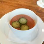 野菜レストランさいとう - トマトの冷たいガスパッチョ、きゅうりと黄しろごま油を添えて