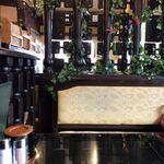 カフェレストクロス - 昔の喫茶店はお金かけてます