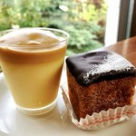 CAFÉ de ROMAN - 3皿目@もいわプリン、藻岩シュークリーム