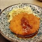 お魚のお店 福玄丸 - コロッケも揚げたてで、美味しいです。