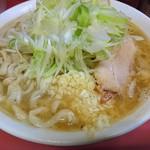 ラーメン二郎 - 小豚+ネギ。野菜抜き、にんにく