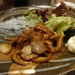 島豚・石焼 燦 - ミミガー燻製