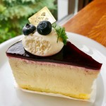 CAFÉ de ROMAN - ベリーソースのカマンベール@MVP。レアチーズがなめらかでこくがあるーーー!