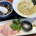 中華ソバ 俊麺製麺所 - 料理写真: