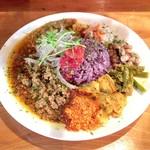 虹の仏 - 料理写真:スパイスカレー、出汁キーマ