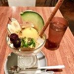 マンゴツリーカフェ - フチ子サンデー