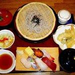 ふじ丸 - にぎり寿司とざるそばセット