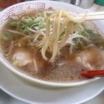ラーメン 藤 大手筋店 - ラーメンハーフの麺