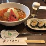 ホルモン焼肉・盛岡冷麺 道 - 盛岡冷麺 キンパ(3個)セット 950円。