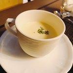 ラウンジアンドダイニング ジー - 冷製コーンスープ みんなが笑顔になる美味しさ