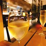 ラウンジアンドダイニング ジー - 白ワイン