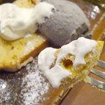 アプランティ - デザートセット+200円(今日のおやつ:キャラメルバナナのパウンドケーキ・黒ごまアイス付)
