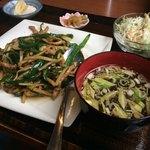 中華料理 香香 - 青椒肉絲定食  700円