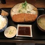 イチマル定食堂 - 料理写真:ロースとんかつ定食=850円