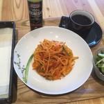 Cafeノンノ - 料理写真:ノンノナポリタン(サラダ、Sドリンク付き)500円