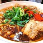 辛口炙り肉ソバ ひるドラ - 辛口炙り肉ソバ・醤油 780円