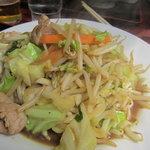 中華料理タカノ - で、これが肉野菜炒め380円