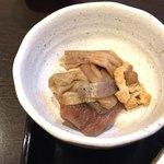 大塚せんや - 芋茎と竹輪と油揚げの煮物