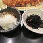地蔵 - 香の物・ひじきの煮物