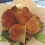 プリバディ - 【'18.7】お通しのテンペ。テンペは大豆の発酵食品なんだけど、ここのはクセが無く食べ易くて魚かと思った!!