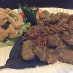 プリバディ - 【'18.7】ルンダン ダギン 1500えん。ホロホロに煮込まれていてお肉が細かくなってる。