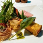 合掌レストラン 大蔵 - 大満足の前菜 自家製ロースハムが一番!キッシュ風の玉子焼きは珍しかった