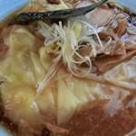 中華そば おかめ - ワンタン麺 動物系(850円)