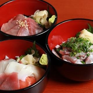 各種ミニ海鮮丼、さざえ釜めし、まご茶づけ