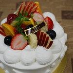 エーワン洋菓子店 - 料理写真:フルーツデコレーション