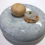 89036534 - フォアグラ最中とイカのせ明太子煎餅