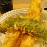 天ぷら やす田 - しし唐でなく、万願寺唐辛子ですよ