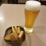 89039885 - アサヒスーパードライ生ビールと煮物盛り合わせ