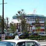 麺屋 千のこな - 寄港中のレジェンド・オブ・ザ・シーズ(Legend of the Seas・ロイヤルカリビアン)@博多港が見えました。