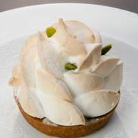 カフェ・オハナ - まるで花のようなケーキ