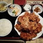 89042173 - 鶏の唐揚げ定食(800円)です。